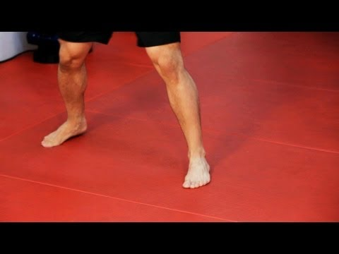 How to Do Footwork | Kickboxing Lessons