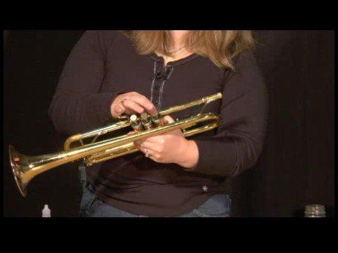 Trumpet Maintenance : Oiling Trumpet Valves