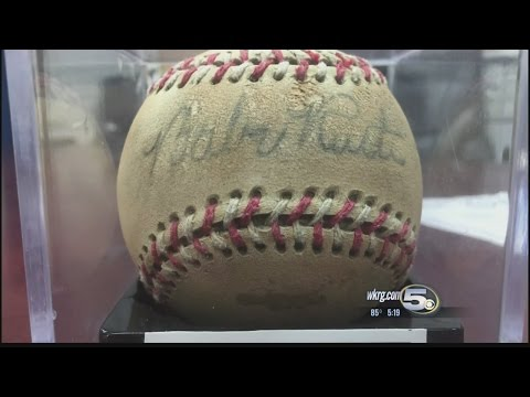 Man Wanted Over Fake Autographed Baseball
