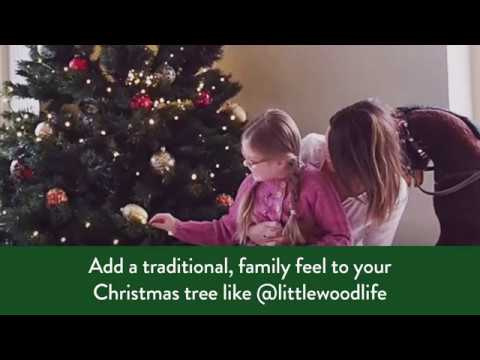 How to decorate your Christmas tree with a traditional theme