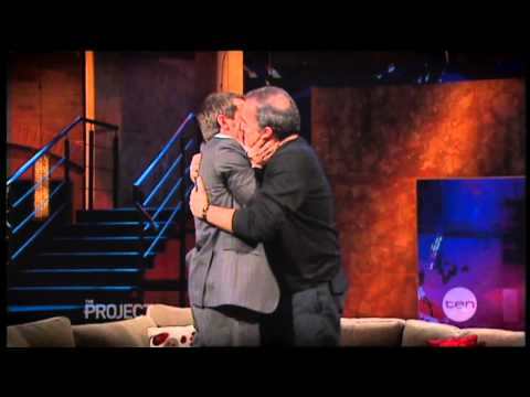 Rove kissing Mandy Patinkin (snippet) - The Project