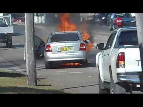 Dramatic Car Fire at Eastgardens NSW