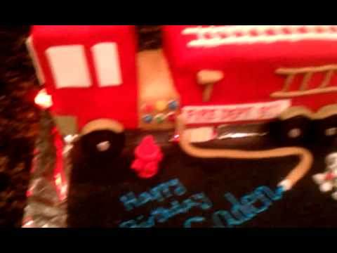 fire truck birthday cake, with lights and siren