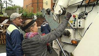 Наш корреспондент поработала водителем мусоровоза