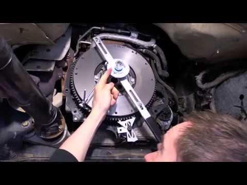 CLUTCH TECH: Dual - Mass Flywheel Tool