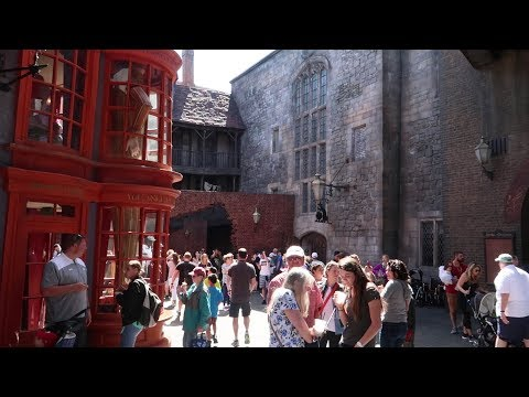 How We Deal With Crowd Anxiety At Universal Studios Orlando | Quiet Spots, Low Traffic Paths & More