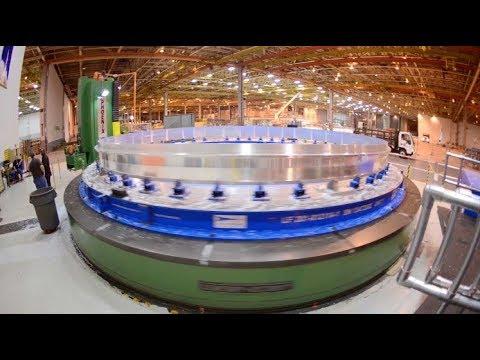 SLS manufacturing: Engineers at work at NASA's Rocket Factory