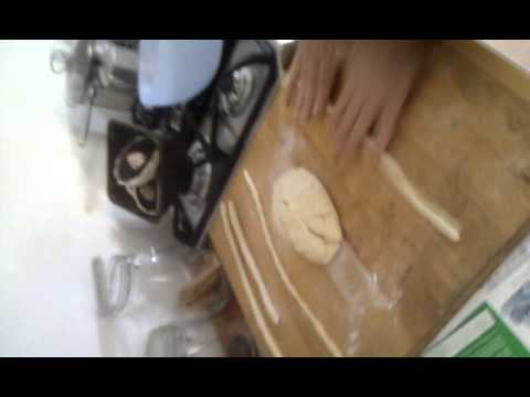 Make fresh pasta by hand - cavatelli - with only water & semolina flour