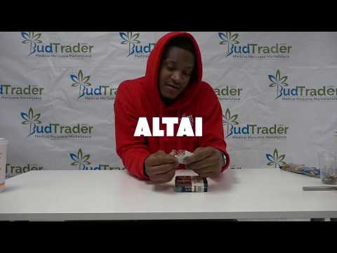Rapper Slim 400 Samples Altai Edibles With BudTrader