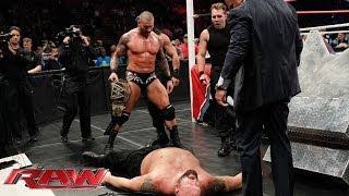Big Show vs. The Shield & Randy Orton - 4-on-1 Handicap Match: Raw, Nov. 4, 2013