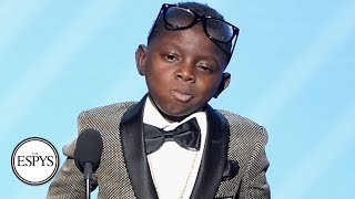 jarrius robertson receives jimmy v award for perseverance the espys espn