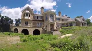 INSIDE, SCARIEST ABANDONED MANSION *CREEPY* *MUST WATCH* WE SAW A DEAD BODY