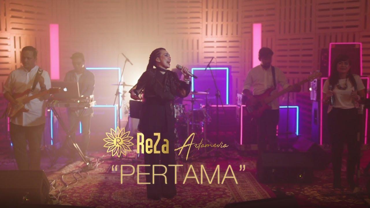 Download Reza Artamevia - Pertama MP3 Gratis