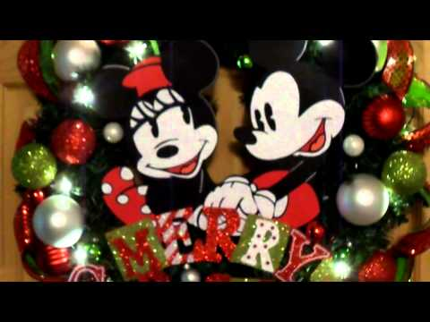 Mickey and Minnie Mouse Christmas Wreath