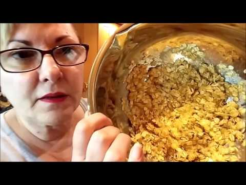 Video Recipe and Instructions for Sugarless Banana Oatmeal Cookies