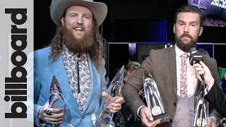 """Brothers Osborne """"Pissing Some People Off"""" with Political Music Video at the 2017 CMAs 