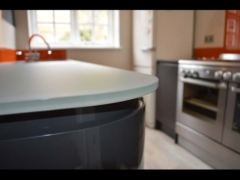scratch Resistant glass kitchen worktops- www.creoglass.co.uk