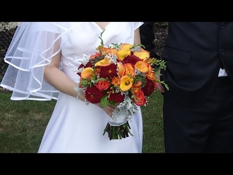 Roses and calla lilies  hand tied bridal bouquet. DIY tutorial.
