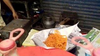 Frying Jalaibees at Jalal Chowk, Multan, Pakistan