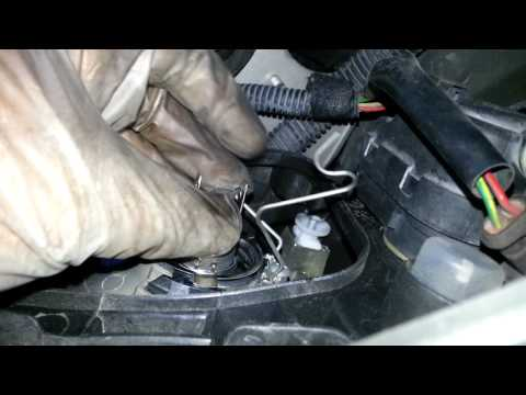 How to change a bulb - Peugeot 206 with H4