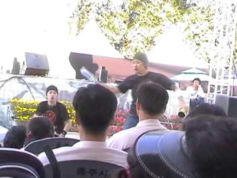 Amazing Flair & Bottle-Juggling! Skilled Korean Bar-tending tricks!!