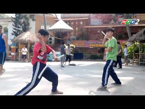 Kinh Kha vs Kinh Quốc tập Nunchaku Battle...