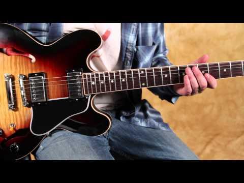 Blues chord progression - Taj Mahal - She caught the Katy - Blues Brothers