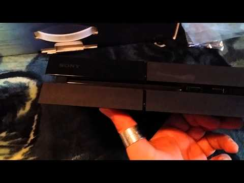 Canada unboxing of Playstation 4 -  Part 2.mp4