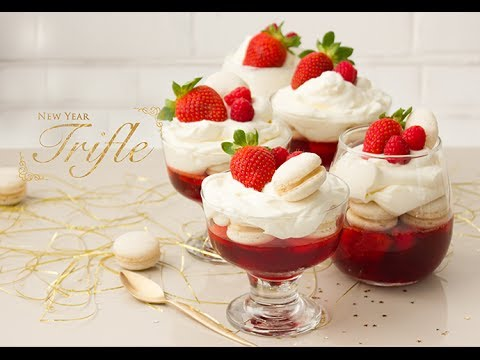 How to make a New Year Trifle - New Year's Party Recipe Collaboration