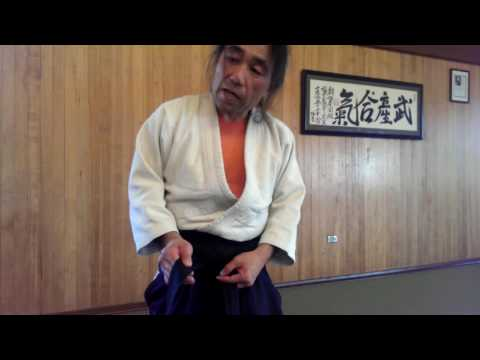 How to tie a hakama for battle