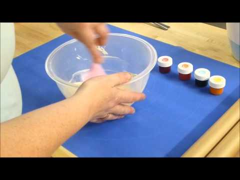 Colouring and Moulding Chocolate Using Silicone Bakeware Moulds