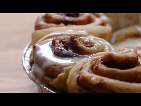 The Best Ever Vegan Cinnamon Rolls #VeganWeek