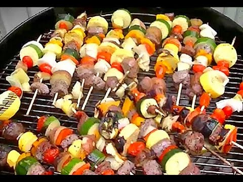 How To Make Steak & Veggie Shish Kabobs / Kebabs on a Charcoal Grill