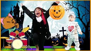Halloween Songs for Kids, Children, and Toddlers -  Sing The Halloween Song Trick or Treat