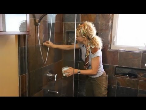How to Remove Mold Stains From Bathroom Grout : Renaissance Woman