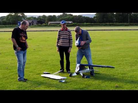 Big RC plane crash E-Flite Carbon-Z Cub 84
