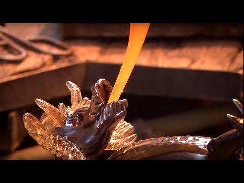 Glass blowing - making Dragon