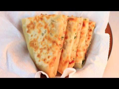 Layered Bacon Pancakes Recipe / How to Make Bacon Pancakes / 千层饼
