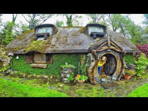 Hobbit House in UK Inspires Fans of the Series and Tiny House Lovers