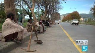 Coronavirus lockdown: Daily workers struggle to make do in Pakistan