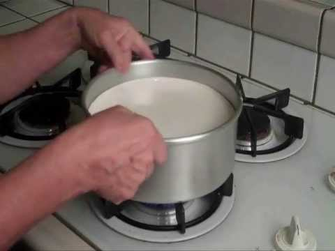 How to take a cheesecake out of a pan