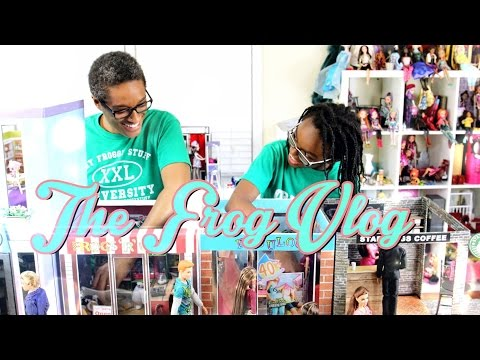 DIY - The Frog Vlog:  We Make a Doll Town - Handmade - Doll - Crafts