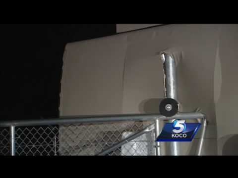 Strong winds flip RV, damages other vehicles near Norman
