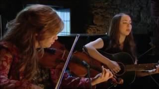 Sarah Jarosz with Alison Krauss - Run Away (Transatlantic Sessions)