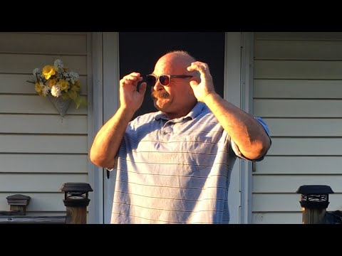 Man Sees Color For the First Time