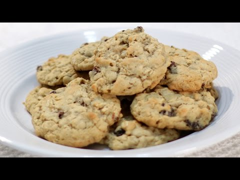 How to make Oatmeal Cookies - Easy Chewy Oatmeal Raisin Cookie Recipe