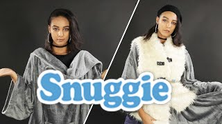 Models Try Styling A Snuggie