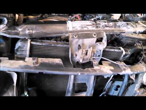 Radiator replacement Jeep Liberty 2004 3.7L Install Remove Replace Cooling fan assembly