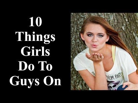 What Girls Do to Turn On Guys - 10 Things Girls Do That Turn Guys On