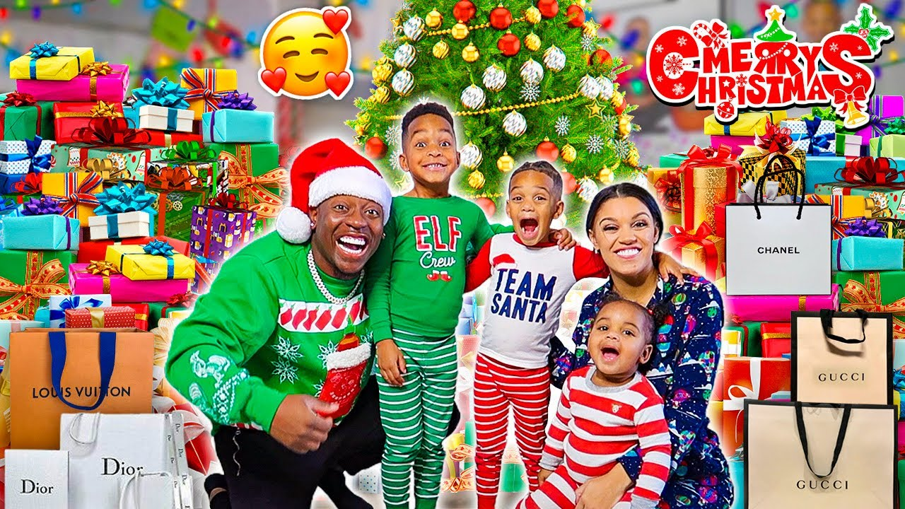 OPENING PRESENTS ON CHRISTMAS MORNING WITH THE PRINCE FAMILY!!